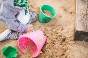 Sandkasten mit Deckel